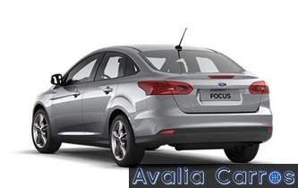Ford-Focus-Sedan-2017-Fastback