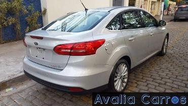 Focus-Sedan-Titanium-2017-Fastback