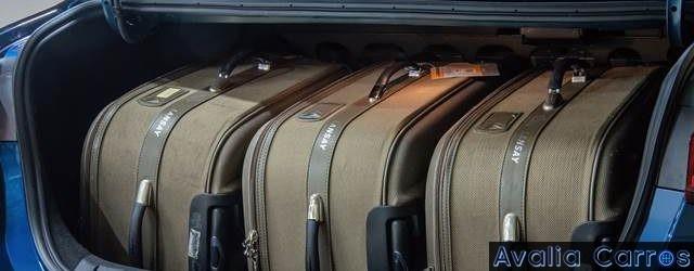 469 litros de porta-malas, 29 litros a mais que o do Cruze mas 94 litros a menos que o do Chevrolet COBALT