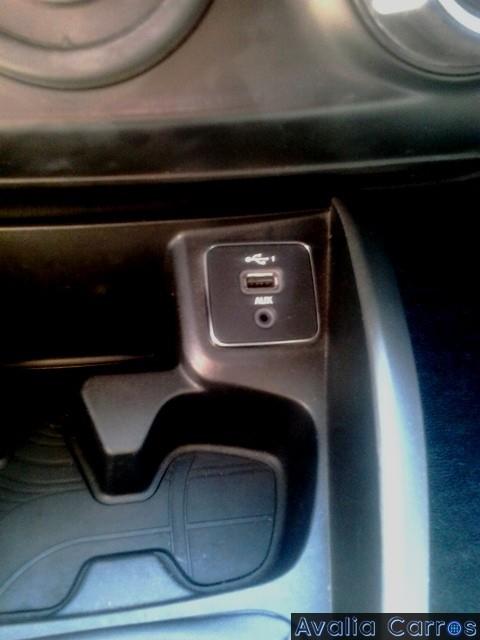 Avaliando as entradas USB do FIAT Argo 1.0